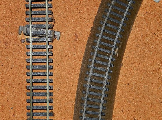 vinegar clean train tracks
