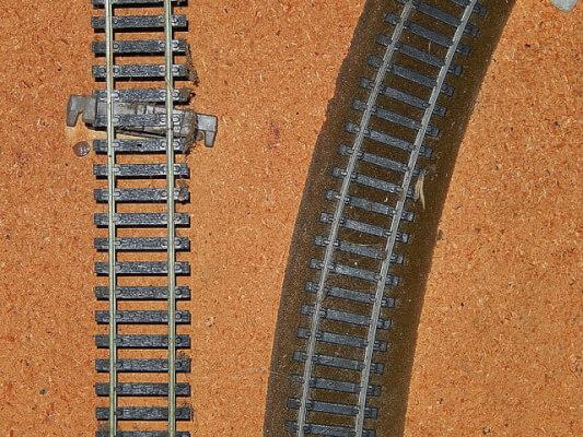 vinegar clean train tracks