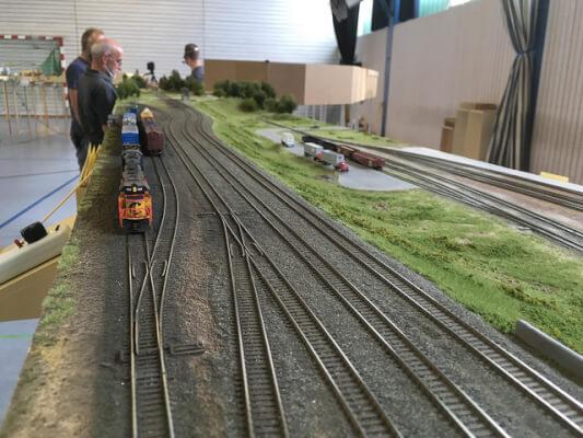 N scale locomotive