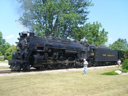 pere marquette 1225 polar express train
